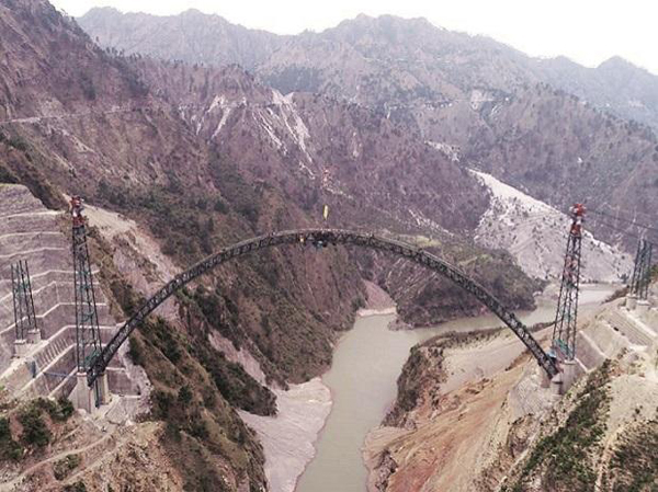 Salient features of the arch of the Chenab Bridge